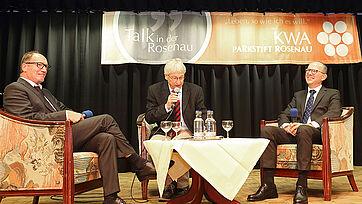 Talk im KWA Parkstift Rosenau in Konstanz mit den beiden KWA Vorständen Horst Schmieder (links) und Dr. Stefan Arend (rechts) und Moderator Stephan Schmutz