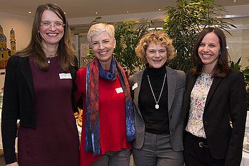KWA Stiftsdirektorinnen (von links): Alexandra Kurka-Wöbking (KWA Stift am Parksee), Gisela Hüttis (KWA Stift Brunneck), Ursula Cieslar (KWA Hanns-Seidel-Haus), Verena Wolf-Dietrich (KWA Georg-Brauchle-Haus)
