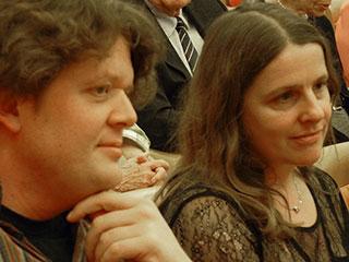 rechts Annette Malur: Sie betreute das Filmprojekt; links Werner Martin Doyé: Er unterstützte die Schüler