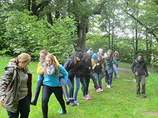 Klasse F2 der KWA Fachakademie für Sozialpädagogik Pfarrkirchen mit ihrer Lehrkraft Christine Stömmer