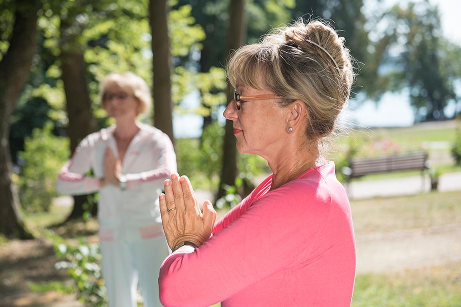 Yoga für Senioren - mit Yogalehrerin Marina Gernard