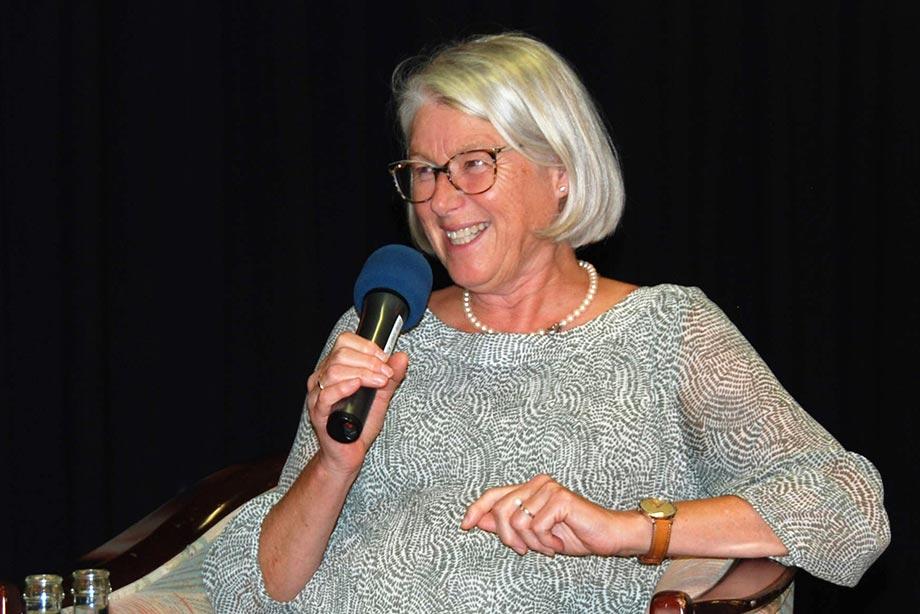 Christa Albrecht, Gleichstellungsbeauftragte der Stadt Konstanz, auf der Talkbühne im September 2018