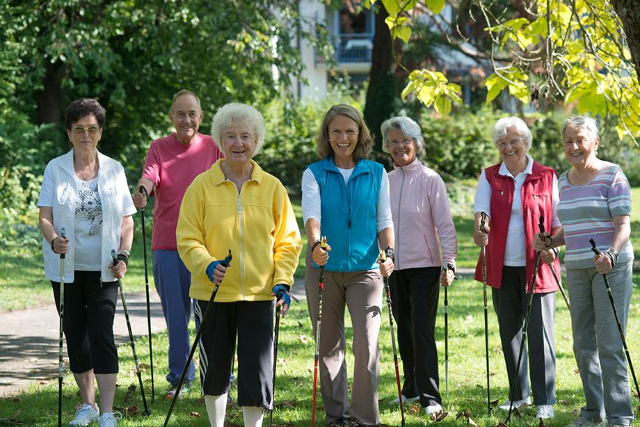 Die Laufgruppe des Parkstifts St. Ulrich wird von Gymnastiklehrerin Uschi Hanko-Zschache betreut