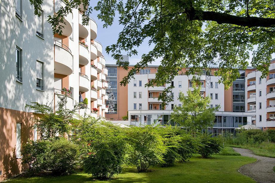 KWA Stift im Hohenzollernpark, Hausansicht vom Stiftsgarten