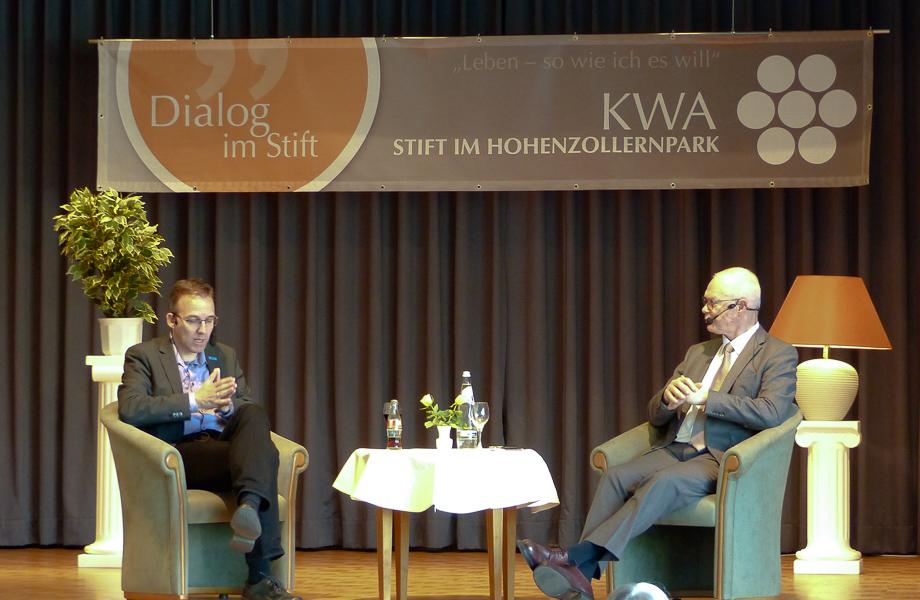 Zu Gast auf der Dialogbühne im April 2019 war Chris Melzer, Sprecher des UNO-Flüchtlingshilfswerks in Berlin.