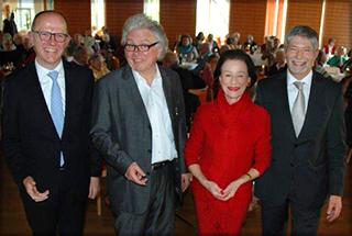 KWA Vorstand Dr. Stefan Arend, Talk-Gast Prof. Dr. Christoph Nix, Talk-Moderatorin Monique Würtz, KWA Stiftsdirektor Herbert Schlecht