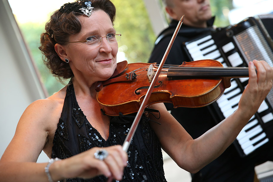 Sissi Gossner, Leiterin des Odeon-Orchesters